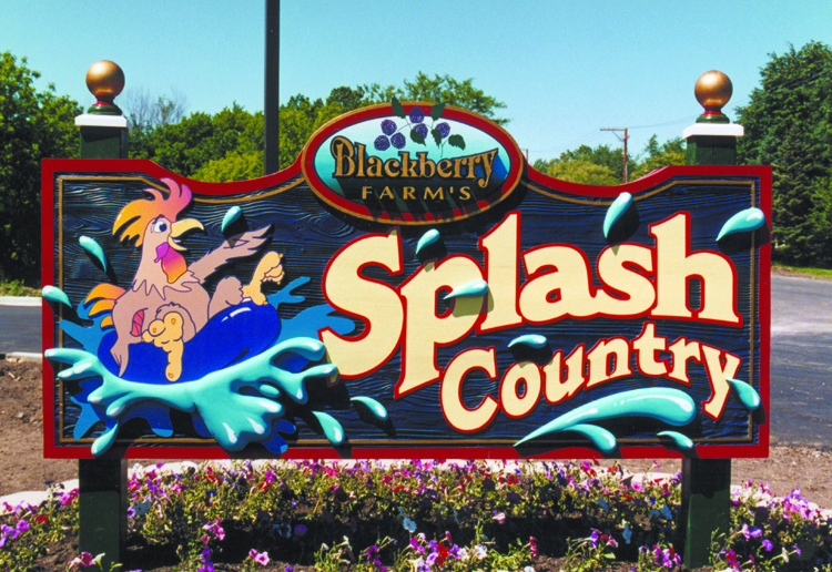 Pirok Design's Splash Country sign